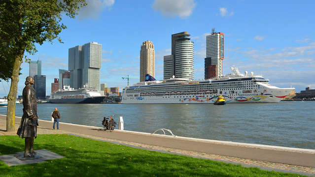 Norwegian Star en ms Rotterdam 2015-09-26