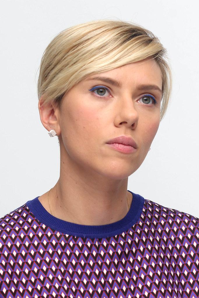 Скарлетт Йоханссон — Пресс-конференция «Мстители: Эра Альтрона» 2015 – 37