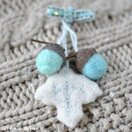 Needle felted acorns & leaf decoration 1