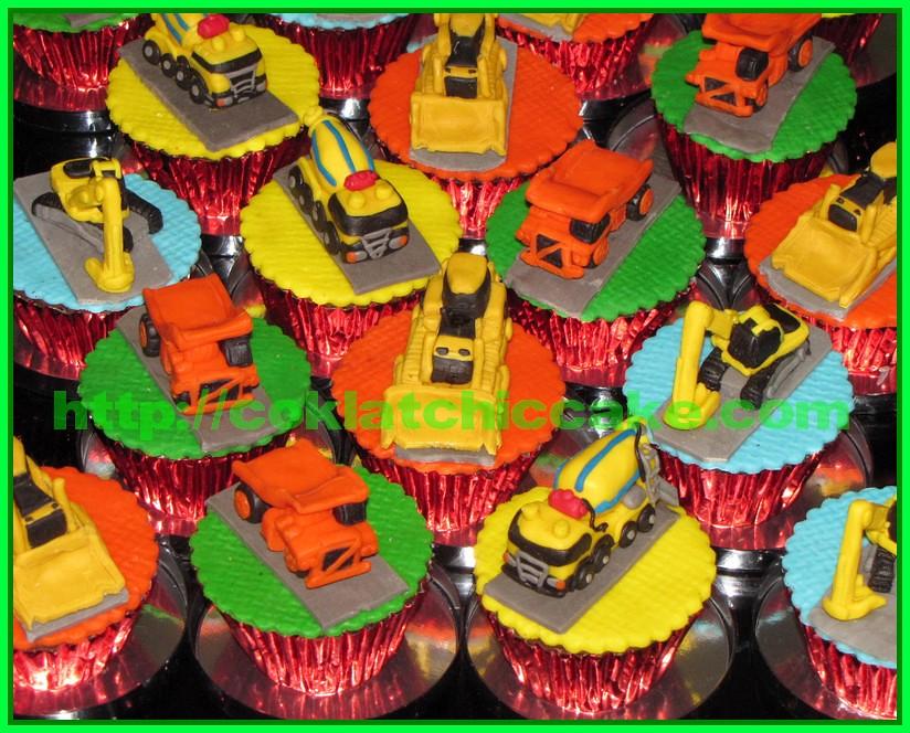 Cupcake mobil buldozer, cupcake truck, cupcake molen dan cupcake excavator
