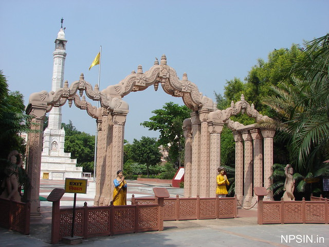 The magnificent 63 feet tall Manasthamb which is made of solid strong white marbles weighing about 110 tonnes