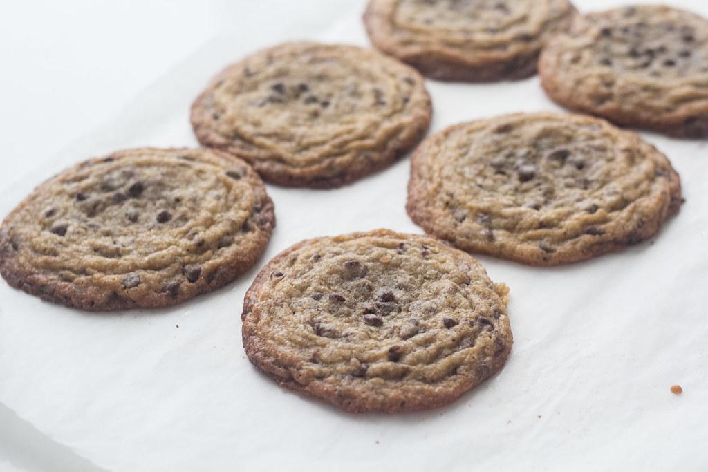 Is-sandwich med cookies og vaniljeis (1)