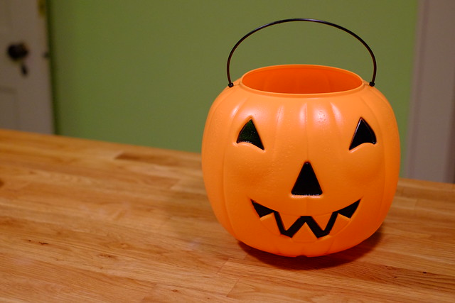 plastic pumpkin - Plastic Pumpkins