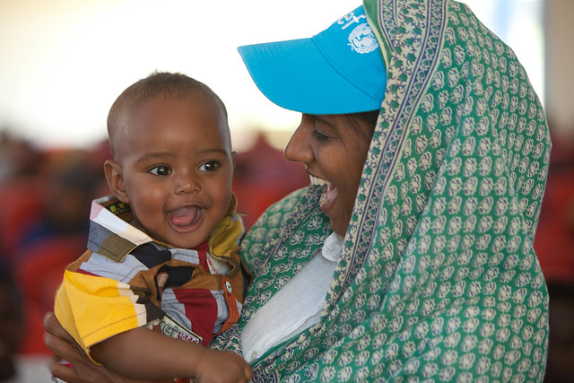 UNICEF EPI Communication Specialist Shalini Rozario with a todler at the Polio NIDs campaign lainch in Jijiga