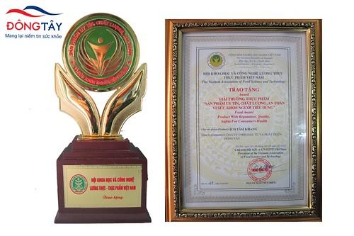 Cúp vàng và giải thưởng công ty Đông Tây