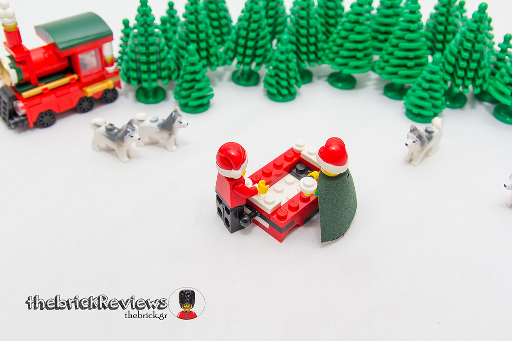 ThebrickReview: Christmas Train - 40138 - Limited Edition 2015 23091805413_f2752f91d6_b