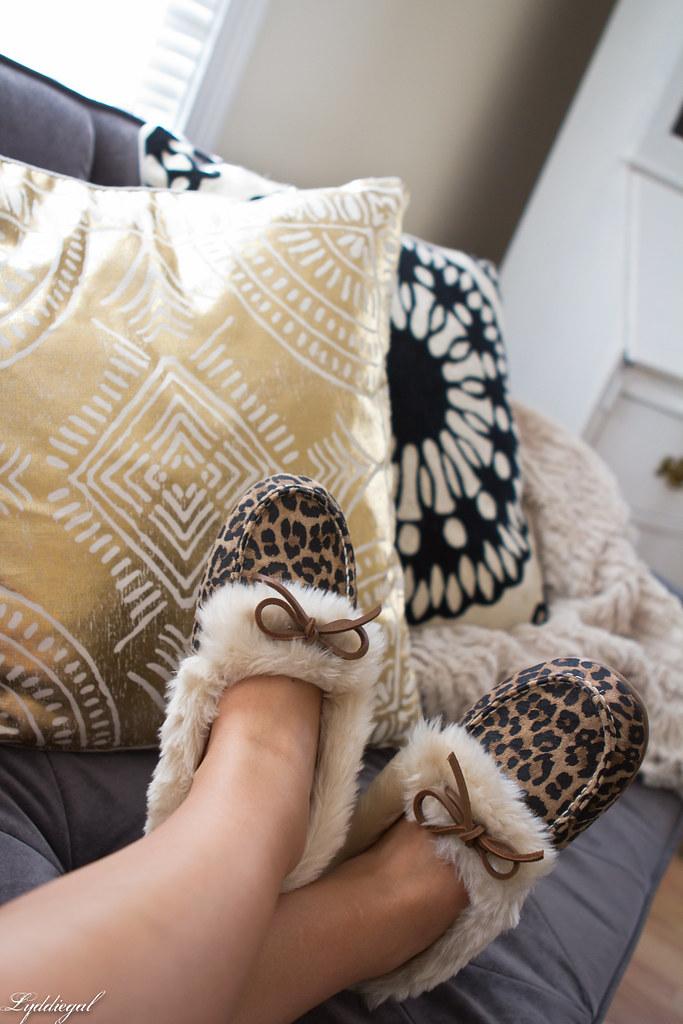 vionic leopard slippers-1.jpg