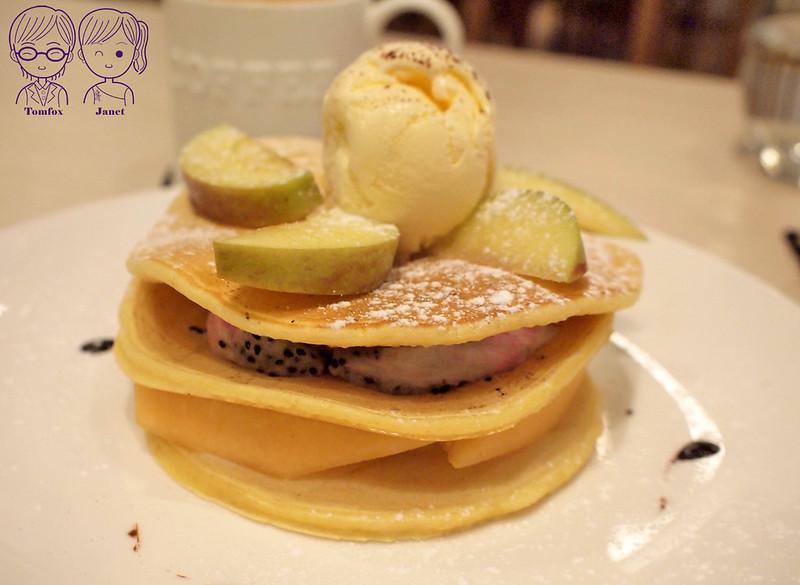 27 3 Cafe Studio 季節水果鬆餅高塔