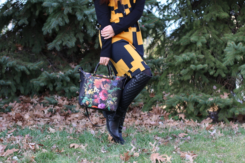 Thanksgiving-outfit-lattori-dress-quilted-boots-floral-bag-3