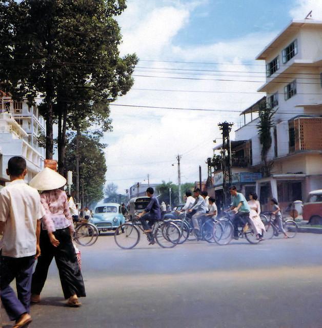 Saigon 1964-68 by Dennis Jax - Đường Cao Thắng