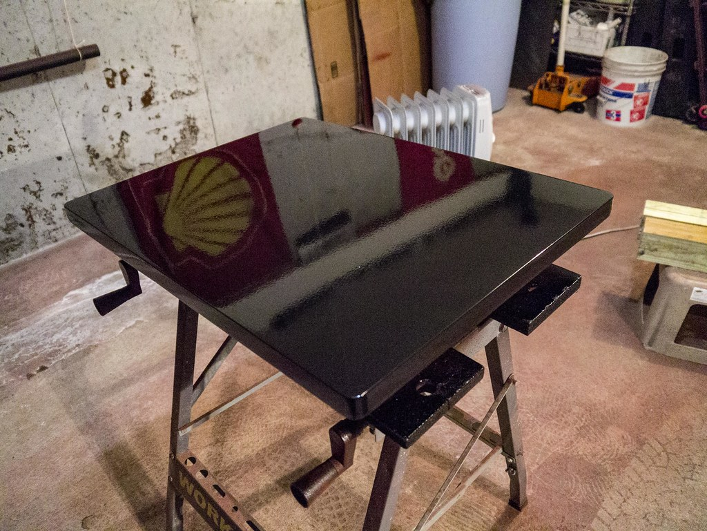Turntable platform with 9 coats of 2K clear   I used SprayMa