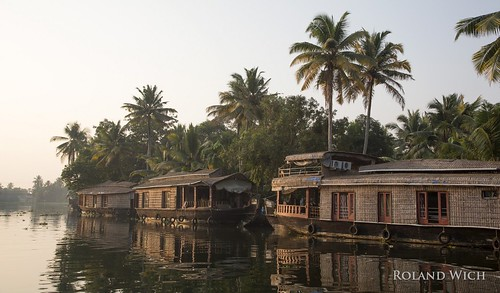 south india southern kerala aleppey alappuzha backwaters house boat houseboat houseboats boats hausboot hausboote canal kanal canals kanäle morning sunrise