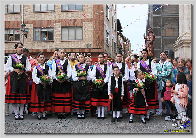 Briviesca en Fiestas 2.015 Procesión del Rosario y canto popular de la Salve (17)