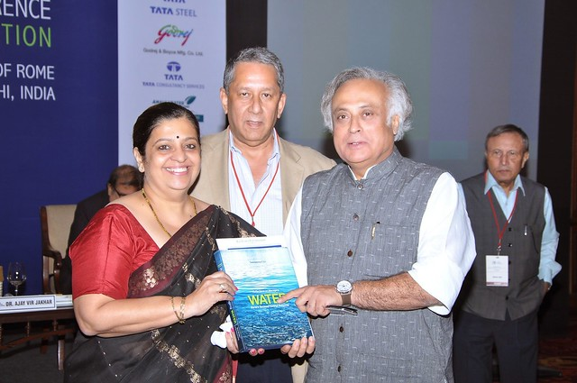Shri Jairam Ramesh, with editors  Dr. Indira Khurana and Mr. Ranjit Barthakur.jpg