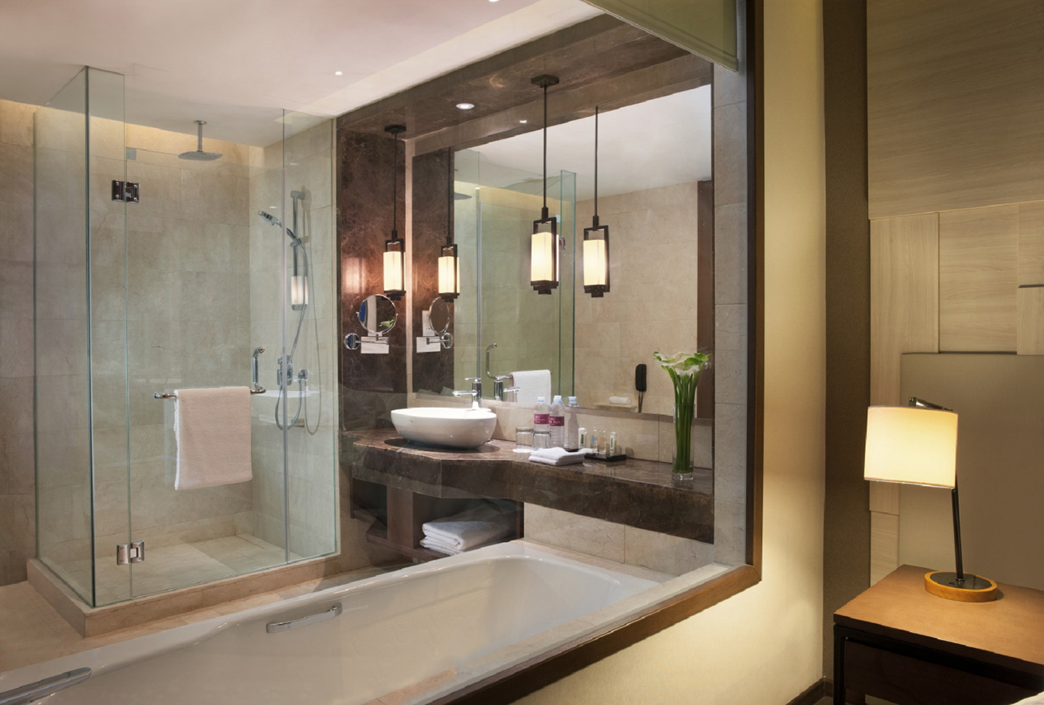 Bathroom-Set-at-King-Bed-Deluxe