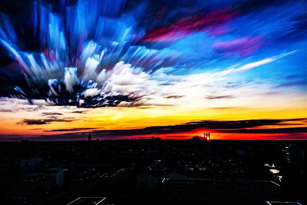 Robert Emmerich - 05 TSLE Time stack - StarStaX - Sunset over Berlin West - Germany