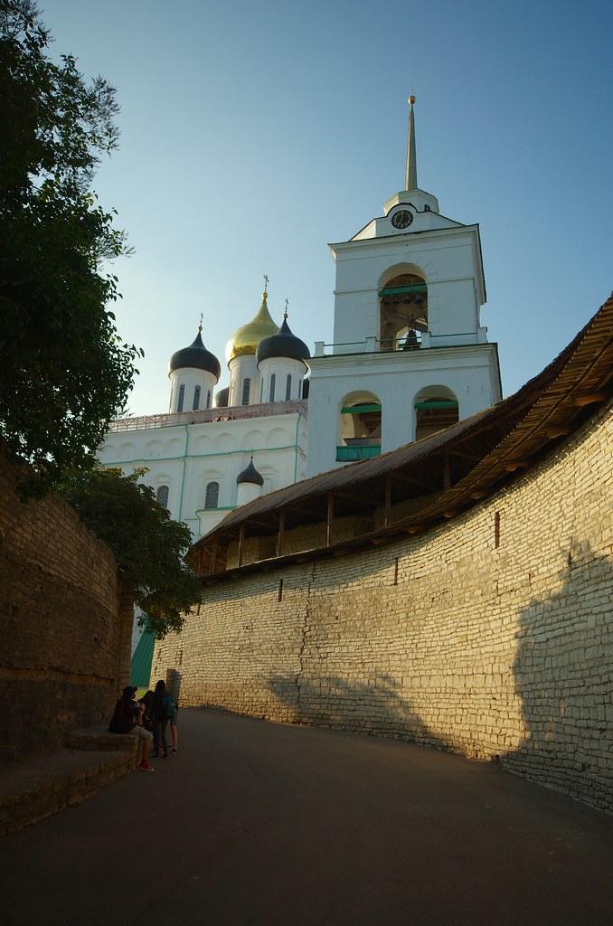Псков, Псковский кром, Россия, вида на Троицкий Собор