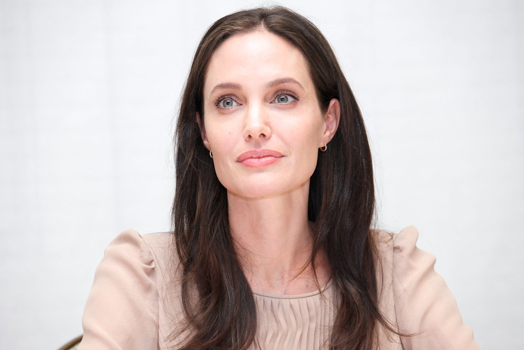 Анджелина Джоли — Пресс-конференция «Лазурный берег» 2015 – 34
