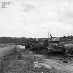 Panzerkampfwagen IV (7,5 cm Kw.K. L/48) mit Zimmeritbeschichtung und Turmschürzen (Sd.Kfz. 161/2) Ausf. J (Nr. 723) - Photo of Nécy