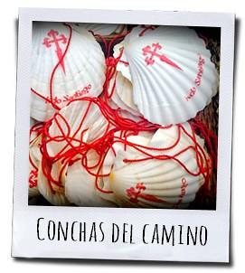 De schelp is het herkenningsteken van de bedevaart naar Santiago de Compostela en staat symbool voor pelgrim