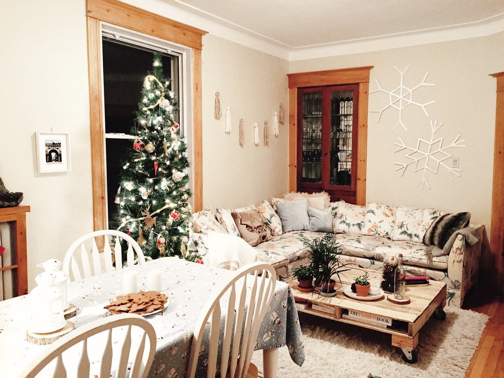 Spray Neige Pour Sapin a magical living room for the holidays - the booklet