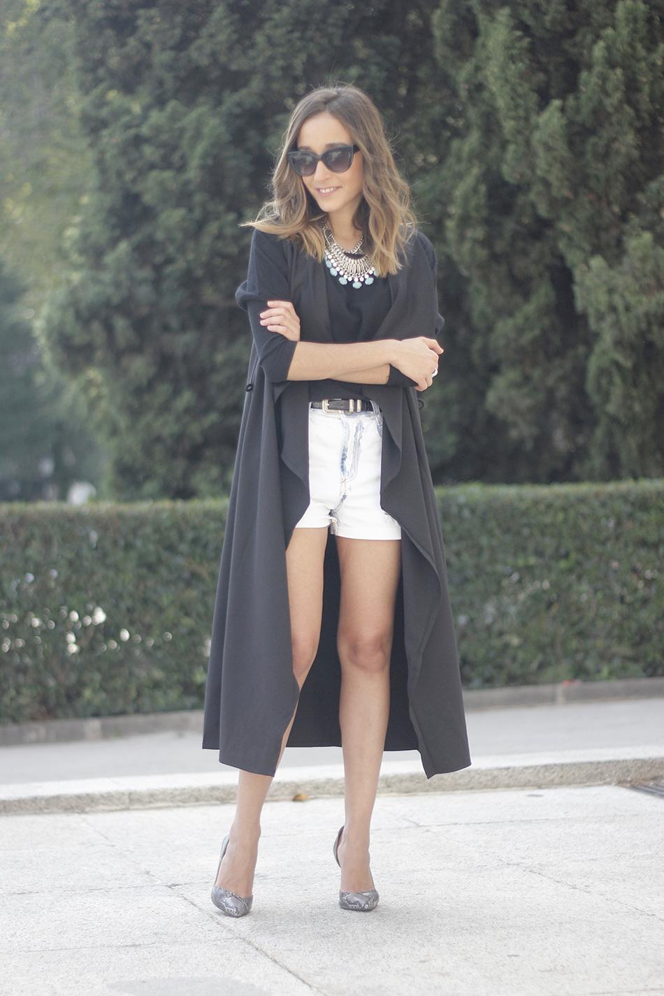 Black Vest Sheinside Shorts Outfit23