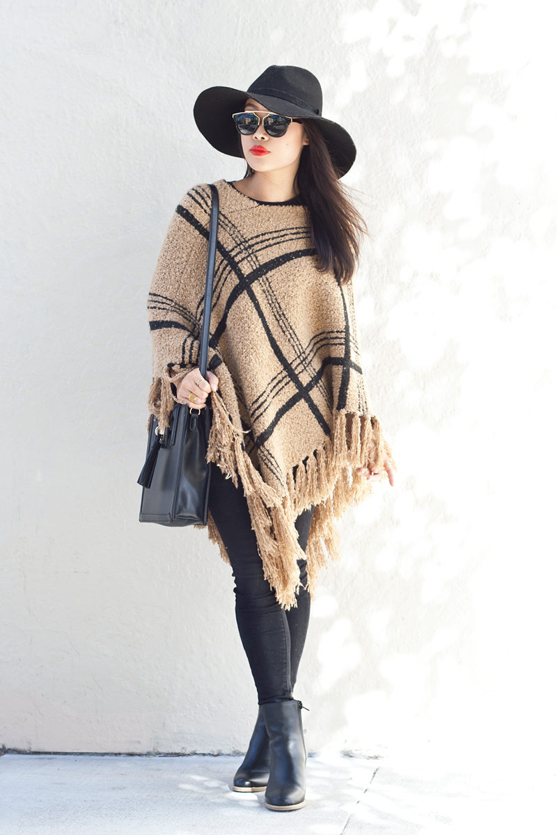 04-plaid-knit-fringe-poncho-hat-sf-fashion-style