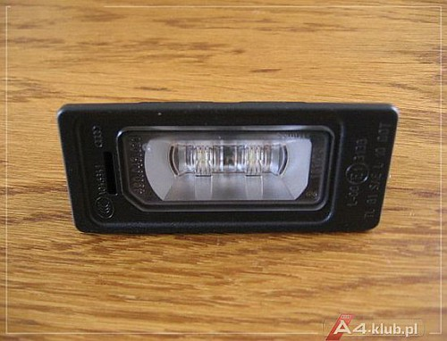 183725 - Wymiana lampek podświetlenia tablicy rejestracyjnej na LED - 2