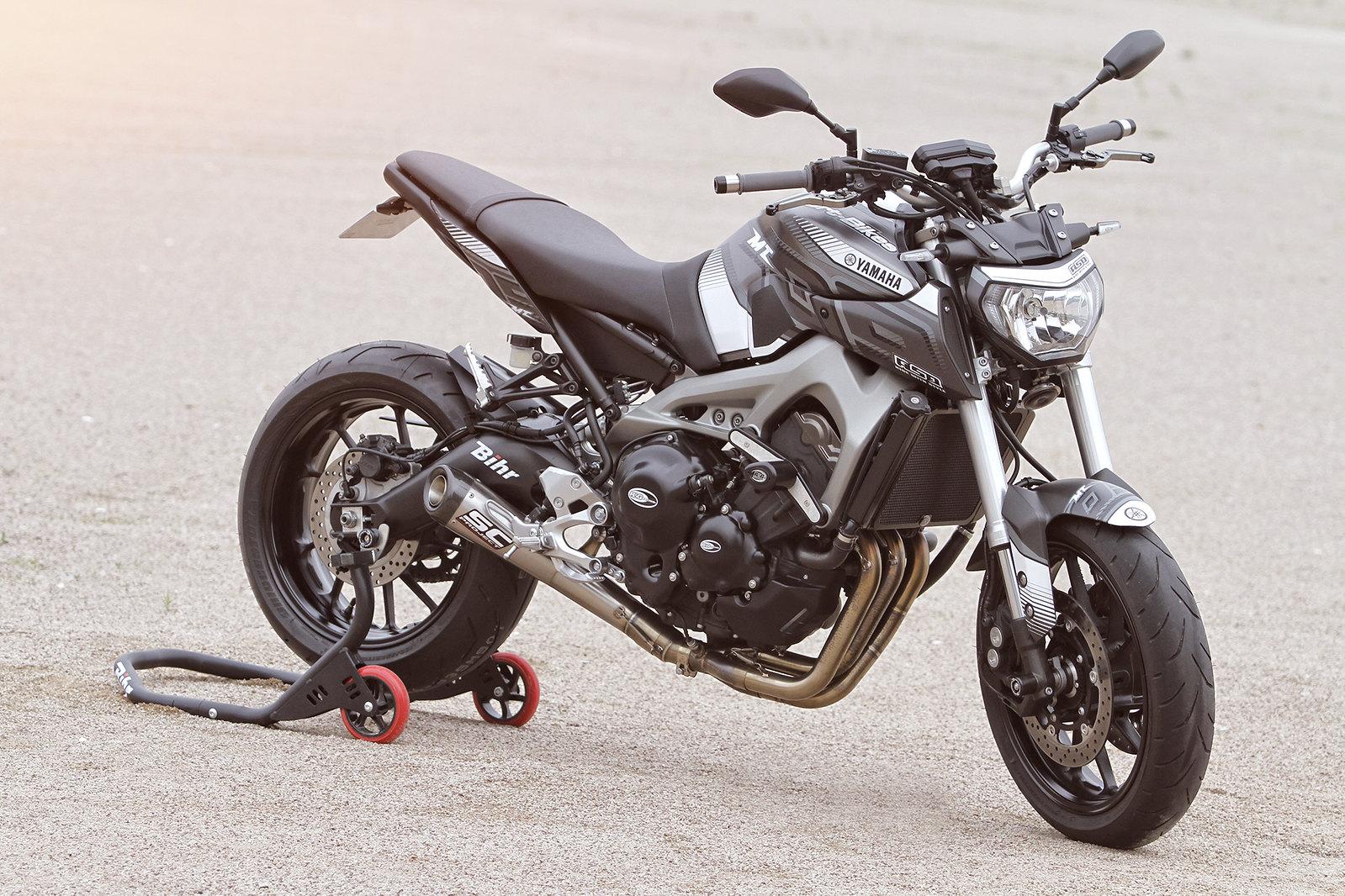 Yamaha MT-09 ASD Racing