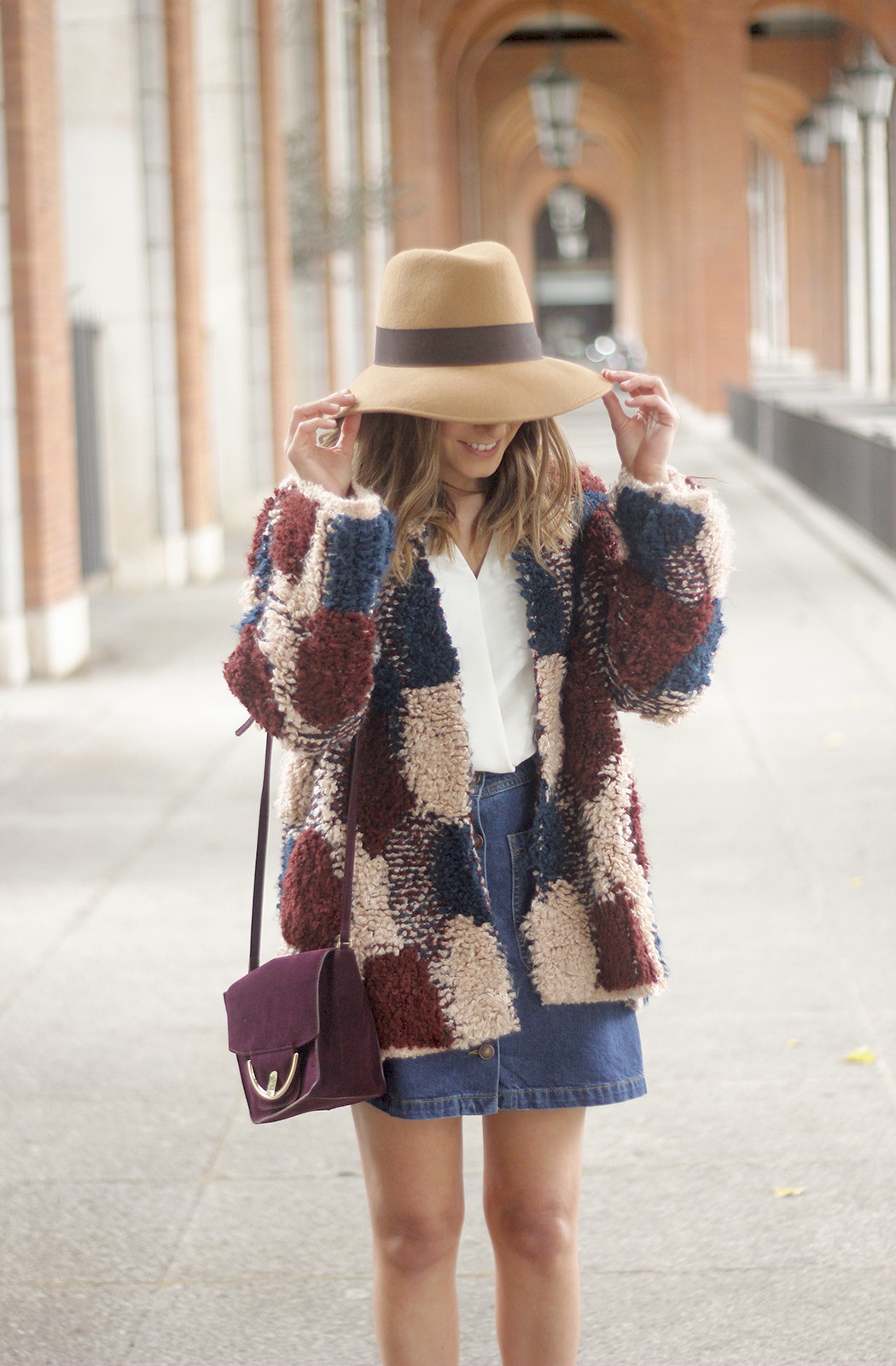 Cardigan Denim Skirt Camel Hat Burgundy Bag outfit08