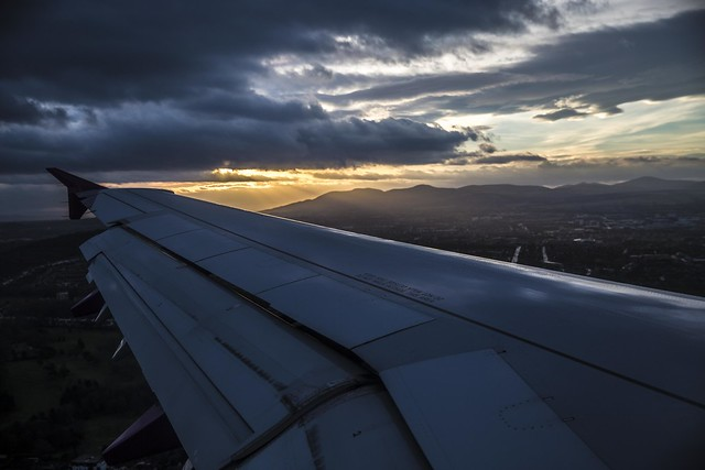 Flying Into Edinburgh Airport