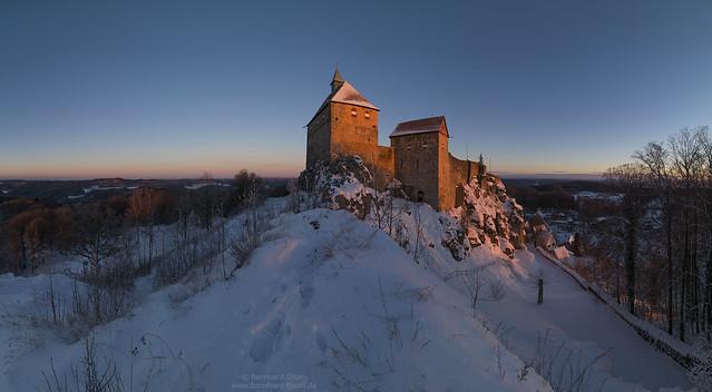 Sunrise panorama at Burg Hohenstein January 2017