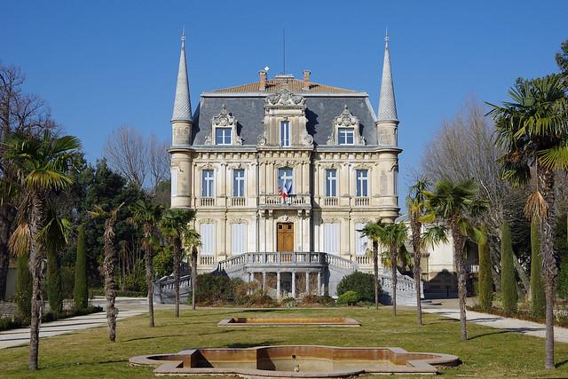 Courthézon (Vaucluse) : le château de Val Seille