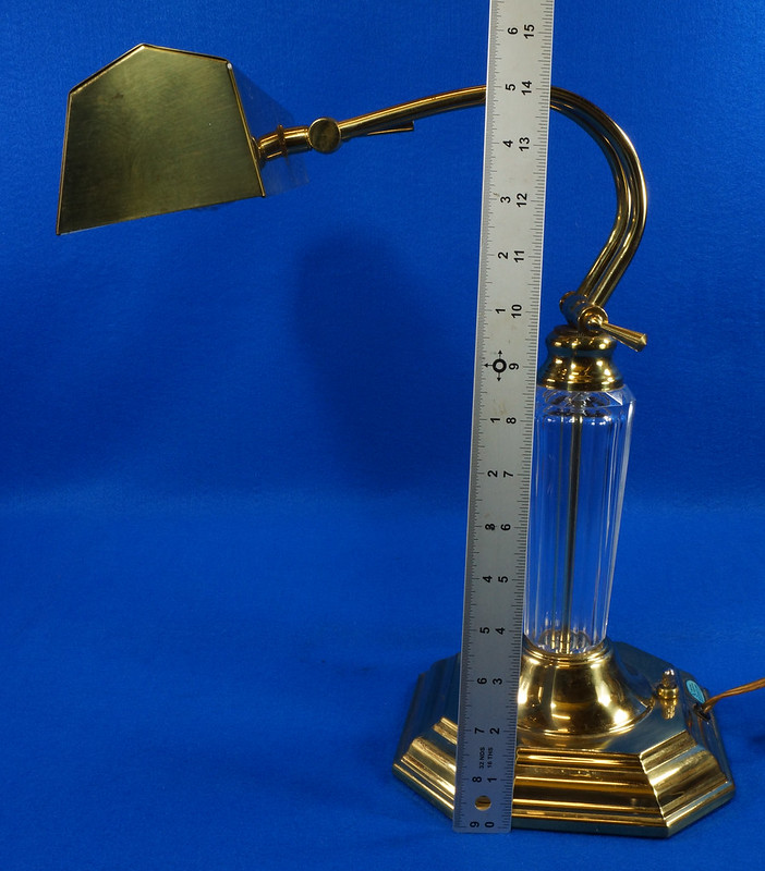 RD15252 Vintage Brass & Lucite Bankers Desk Piano Portable Lamp Light 3-Way Adjustable Arm DSC08739