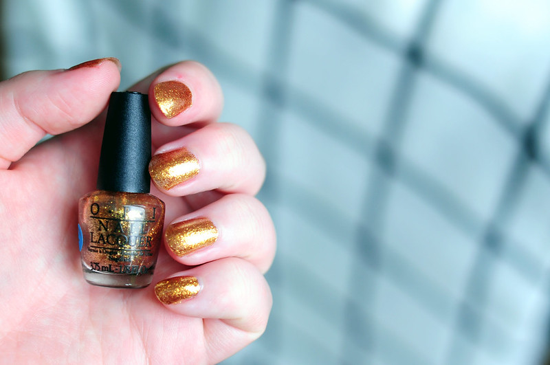 notd-opi-golden-eye-nail-polish-rottenotter-rotten-otter-blog