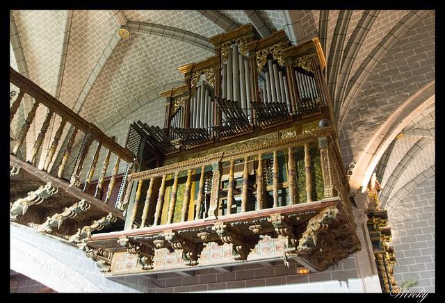 Berdún pueblos más fotografiados Pirineos - Órgano Iglesia parroquial de Santa Eulalia