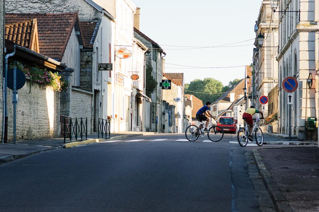 Dans l'Aube, chemins de Compostelle et via Francigena  - Carnet de voyage en France - Les garnements de Chateauvillain