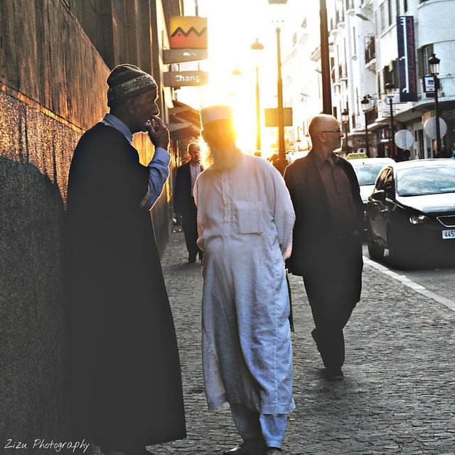 🌹 جمعة مباركة 🌹 #tetouan #martil #morocco #zizu_photography #islam #muslim #people #old #dad #daddy #culture #arab #like4like #likeforlike #trocolikes #sunset #sunday #orange #street #photooftheday #vscocam  #تصويري #عدستي #تصميمي #جمعة #جمعة_مب