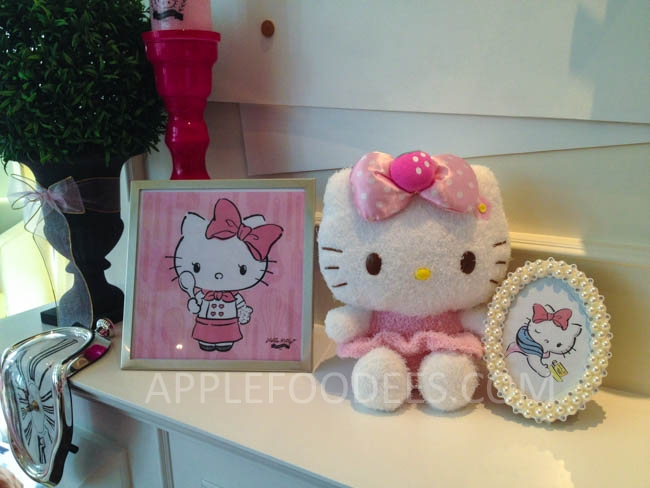 hello-kitty-decor