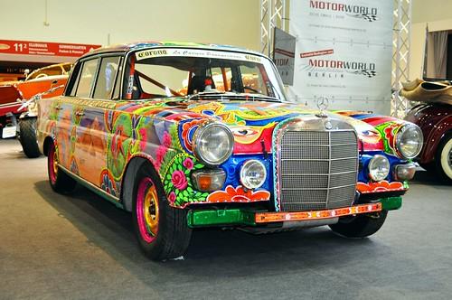 Vintage Mercedes-Benz goes canvas