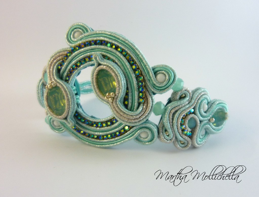 Soutache bracelet and swarovski crystals