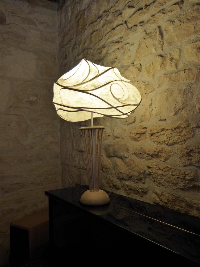 fleur de soie   lampe à poser, abat-jour réalisé en papier j…   flickr