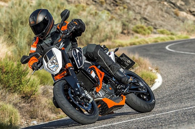 2016 KTM 690 Duke R