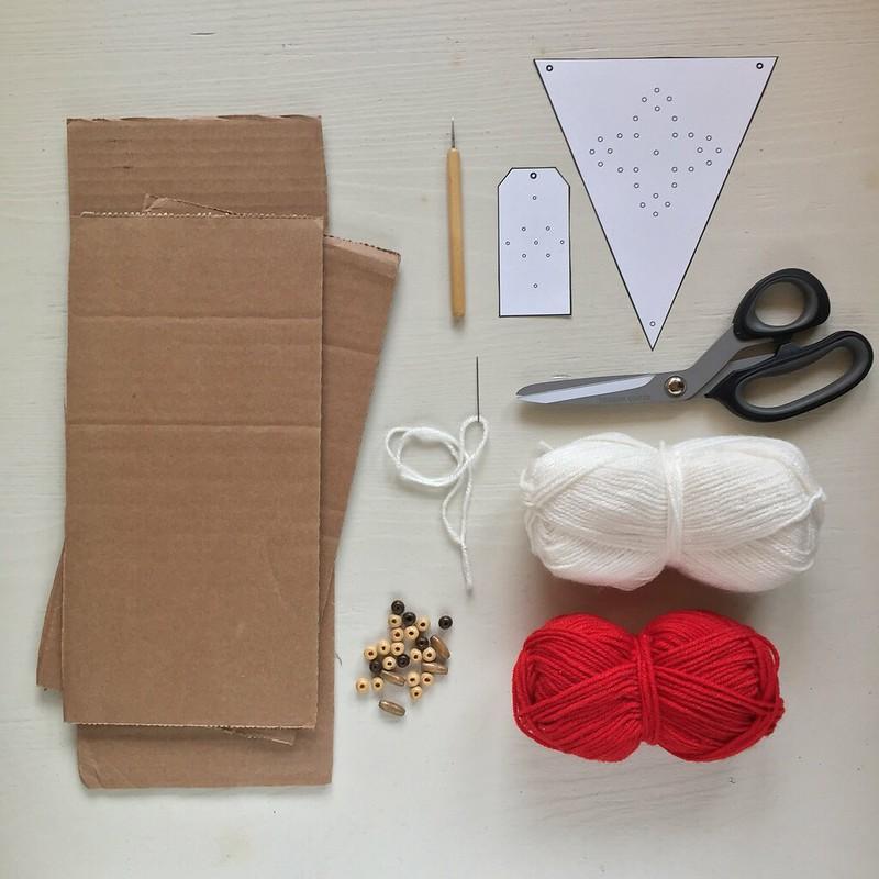 tutorial-decorazione-fai-da-te-Natale-ghirlanda-occorrente