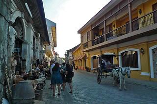 Vigan - Calle Crisologo souvenir shops