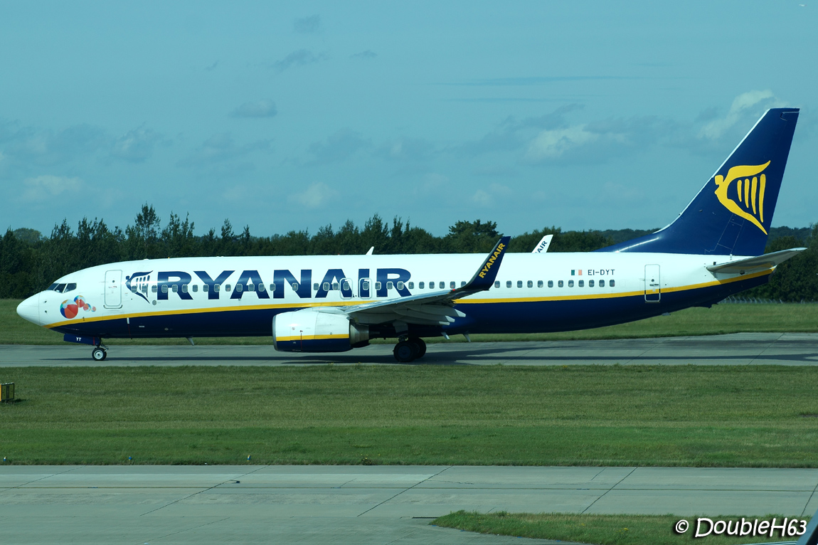 ryanair hrm An analysis of the contrasting hrm policies of ba and ryan air through 4 frames - structural, hr,political and symbolic and commenting on the alignment of the.