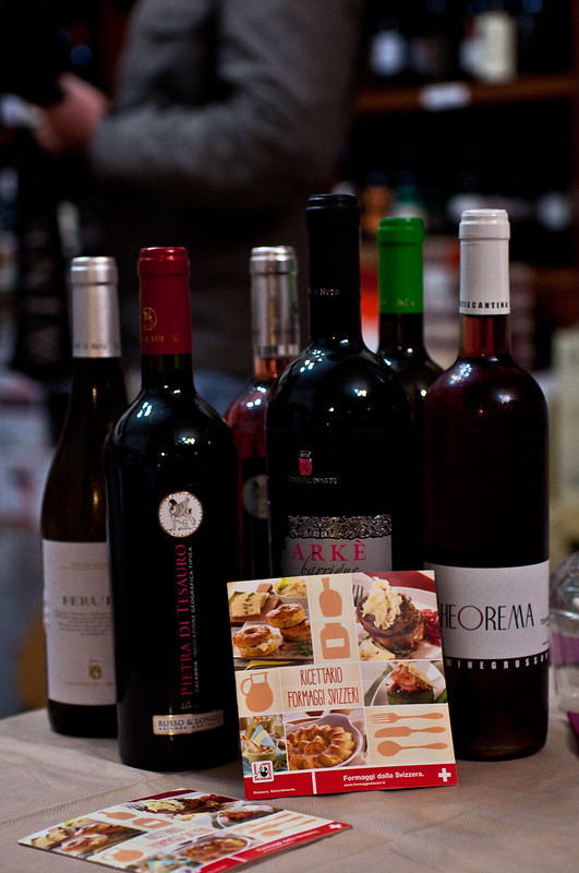 Formaggio Svizzero + vino calabrese