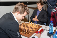 Aronian vs Carlsen smiling at 1.Nh3!?