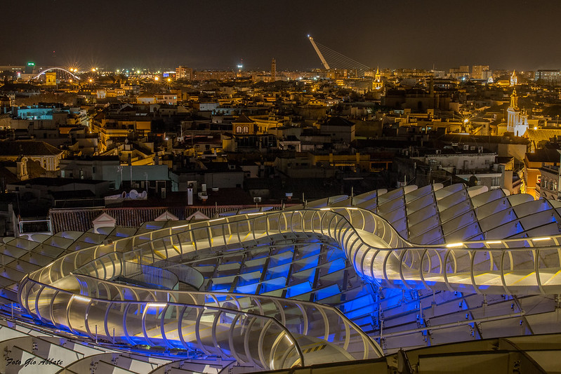 Setas de Sevilla de noche