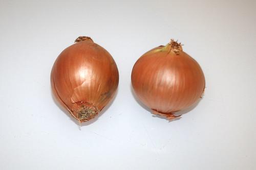 01 - Zutat Zwiebeln / Ingredient onions